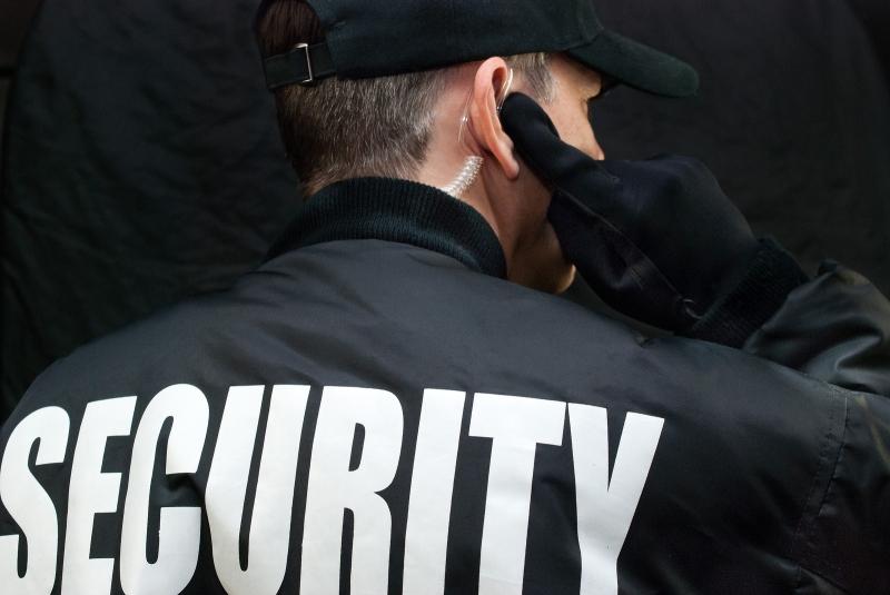 Original source: http://d2118lkw40i39g.cloudfront.net/wp-content/uploads/2016/03/bigstock-Security-Guard-Listens-To-Earp-59468336.jpg