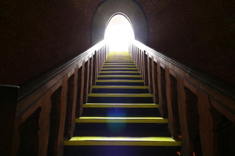 Original source: https://upload.wikimedia.org/wikipedia/commons/thumb/d/d5/Juliusturm_-_last_steps_to_the_light_%28169187125%29.jpg/1280px-Juliusturm_-_last_steps_to_the_light_%28169187125%29.jpg