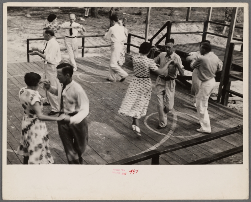 Original source: https://cdn6.picryl.com/photo/1937/12/31/square-dance-skyline-farms-alabama-4e230d-1024.jpg