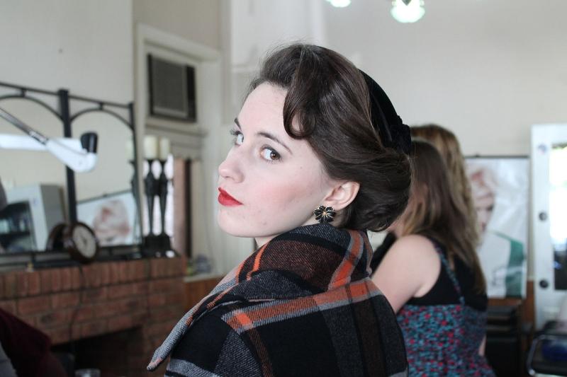 Original source: https://upload.wikimedia.org/wikipedia/commons/thumb/f/fd/1950s_female_hair_fashion.jpg/1280px-1950s_female_hair_fashion.jpg
