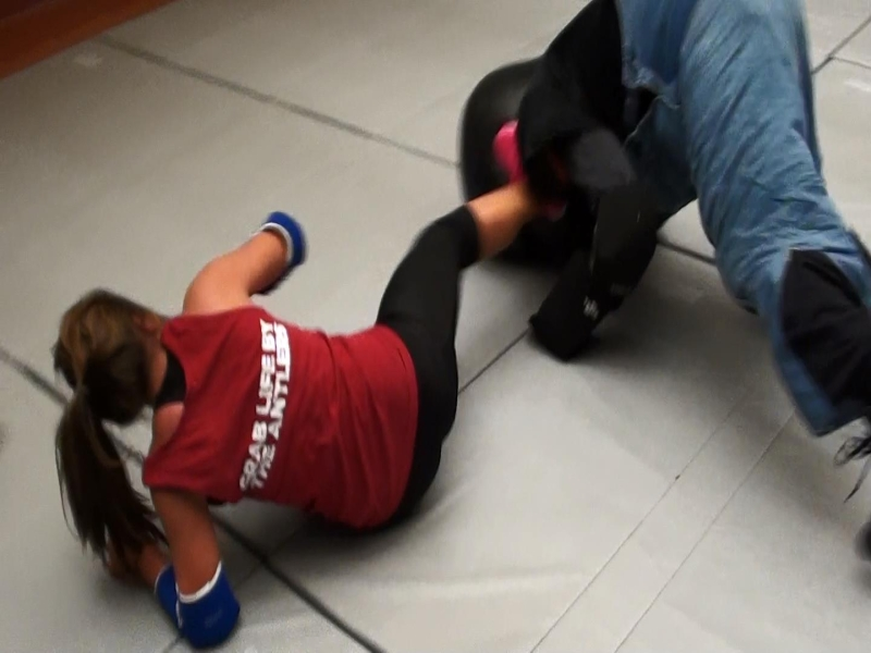 Original source: http://modelmugging.org/wp-content/uploads/2014/09/women-self-defense-kick.jpg