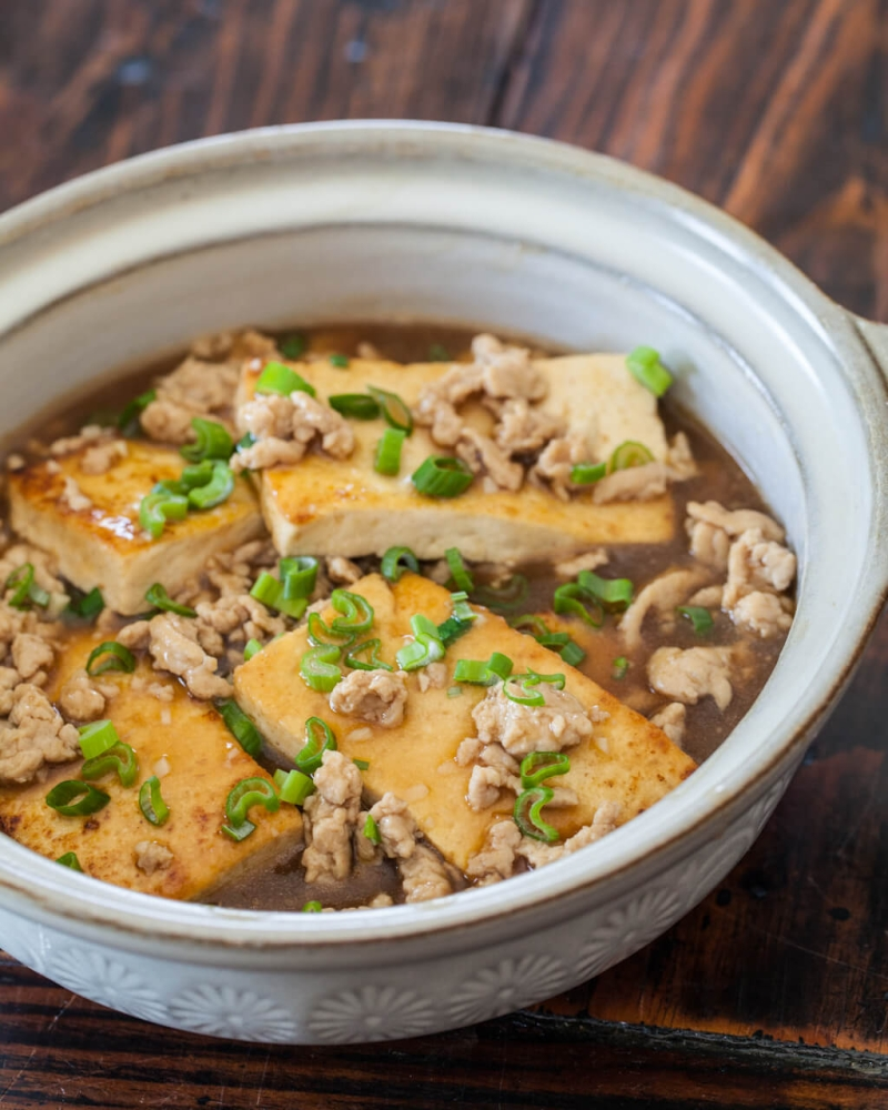 Original source: http://steamykitchen.com/wp-content/uploads/2012/10/braised-pork-with-tofu-8860.jpg
