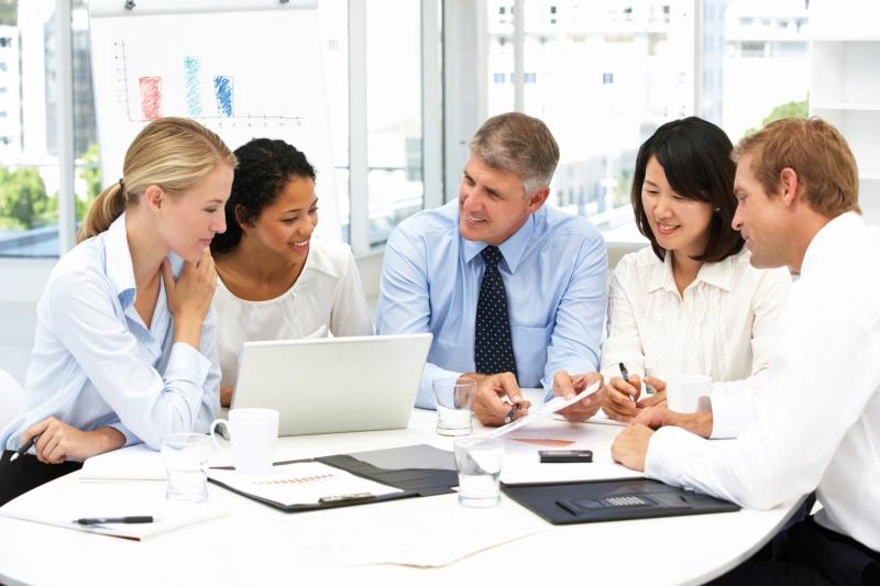 Original source: http://2012books.lardbucket.org/books/an-introduction-to-organizational-communication/section_11/7d2038f08baa8bd250a9ca866d416386.jpg