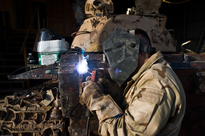 Original source: https://upload.wikimedia.org/wikipedia/commons/thumb/5/55/US_Army_soldier_welding_torch_to_an_Iraqi_tank_being_restored_by_the_Spartan_Brigade_outside_Mosul%2C_Iraq.jpg/1280px-US_Army_soldier_welding_torch_to_an_Iraqi_tank_being_restored_by_the_Spartan_Br
