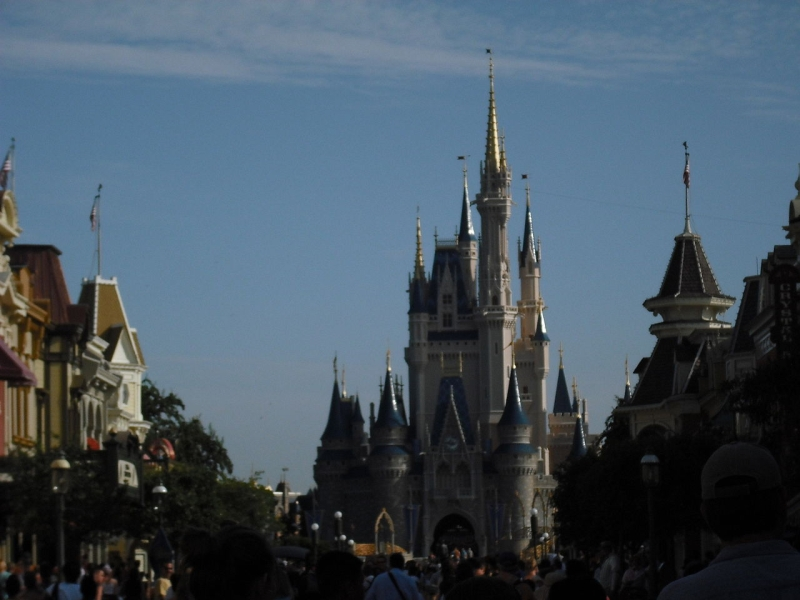 Original source: https://upload.wikimedia.org/wikipedia/commons/thumb/c/cb/Disney_World_001.jpg/1280px-Disney_World_001.jpg