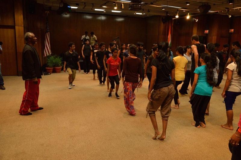 Original source: https://upload.wikimedia.org/wikipedia/commons/thumb/e/e2/Dance_Workshop_-_Robert_Moses_Kin_-_American_Center_-_Kolkata_2014-09-12_7804.JPG/1280px-Dance_Workshop_-_Robert_Moses_Kin_-_American_Center_-_Kolkata_2014-09-12_7804.JPG