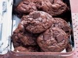 Original source: http://assets.marthastewart.com/styles/wmax-520-highdpi/d32/msledf_0903_outrageouschocookies/msledf_0903_outrageouschocookies_vert.jpg?itok=wkAEnSWW