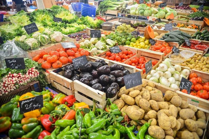 Original source: https://upload.wikimedia.org/wikipedia/commons/thumb/1/1f/Food-healthy-vegetables-potatoes_%2823958160949%29.jpg/1280px-Food-healthy-vegetables-potatoes_%2823958160949%29.jpg