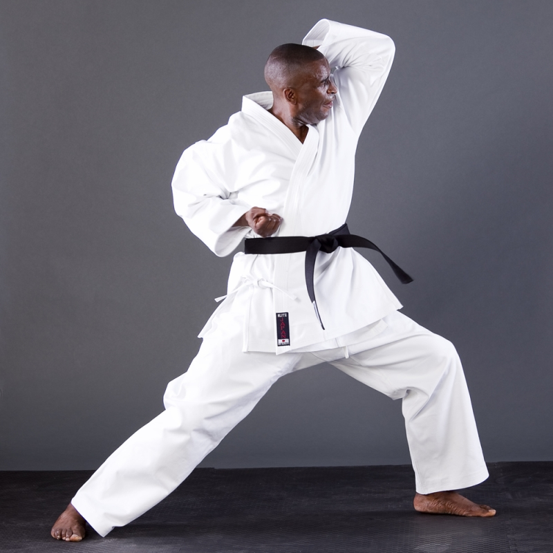 Original source: http://www.blitzsport.com/images/large/Adult-White-Japan-Karate-Suit-Stance-2.jpg