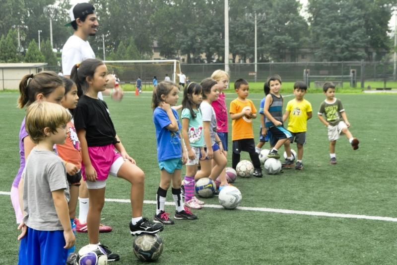 Original source: http://www.learnsoccerfast.com/wp-content/uploads/2015/12/Kids-Soccer-Camp.jpg