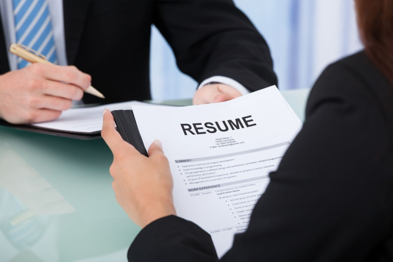 Original source: https://cdn.lawyer-monthly.com/Lawyer-Monthly/wp-content/uploads/2017/11/CVs-Resumes-How-to-Secure-a-Law-Interview.jpg
