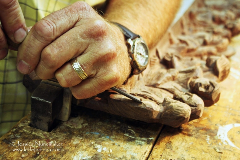 Original source: http://4.bp.blogspot.com/-cylaJm3dFcQ/VDr1lhJoAWI/AAAAAAAAAzo/9MWLtkXKVcY/s1600/woodcarving.jpeg