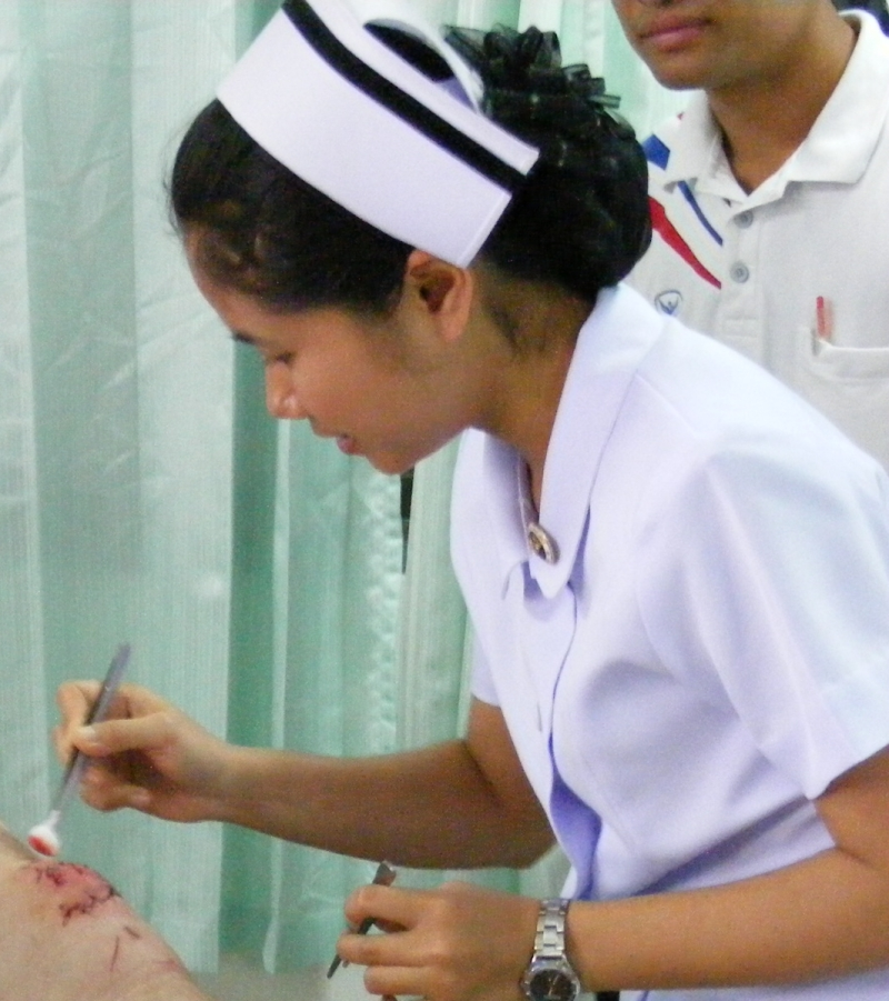Original source: https://upload.wikimedia.org/wikipedia/commons/6/65/Thai_nurse_in_Na_Wa_Public_Hospital.jpg