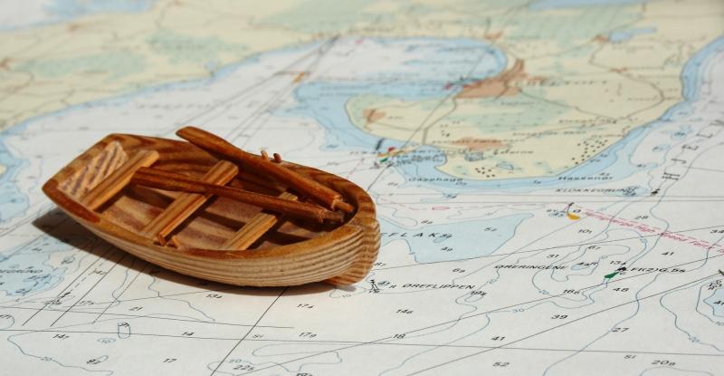 Original source: http://betterboat.com/wp-content/uploads/2017/04/boat-navigation-2.jpg