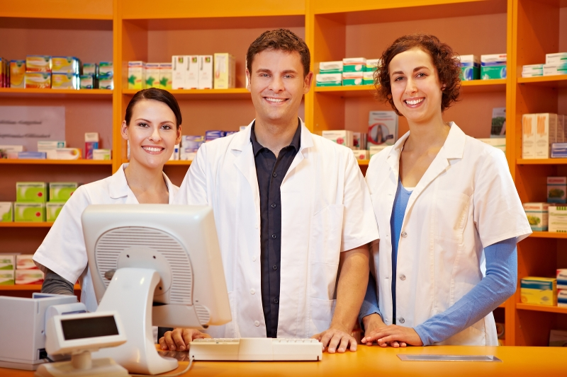 Original source: http://howtobecomeapharmacytech.org/wp-content/uploads/2013/12/how-to-become-a-pharmacy-technician-2.jpg?0b516b