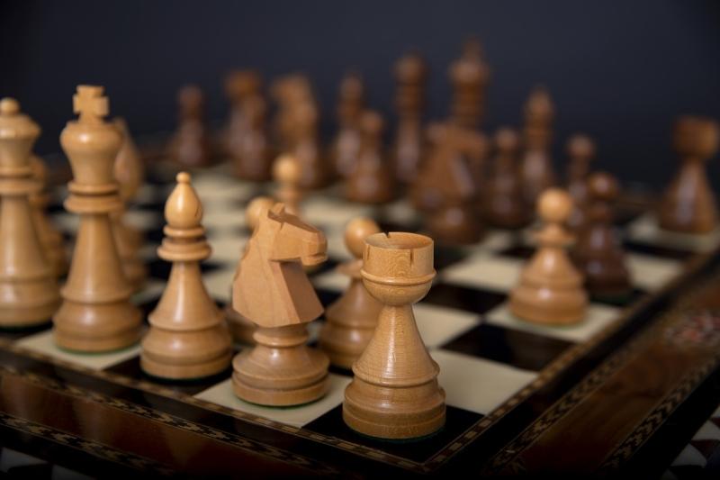 Original source: https://storage.needpix.com/rsynced_images/chess-3951085_1280.jpg