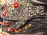 Embroidered Mittens Messalonskee F19
