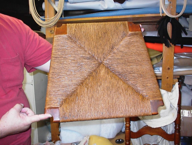 Original source: http://www.classiccaning-upholstery.com/yahoo_site_admin/assets/images/DSC00013.266140932_large.JPG