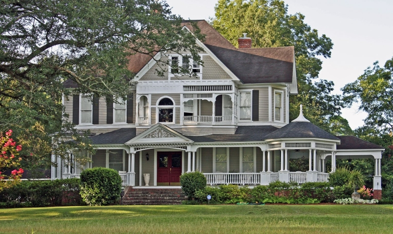 Original source: https://www.preyses.com/7/2015/11/modern-white-and-cream-nuance-old-victorian-house-plans-with-white-fence-can-add-the-modern-touch-inside-house-with-large-green-grass-arround-house.jpg