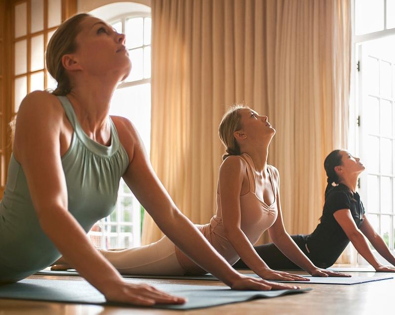 Original source: http://cairofr.enewsletters.fourseasons.com/files/2013/03/Kundalini-Yoga-Retreat1.jpg