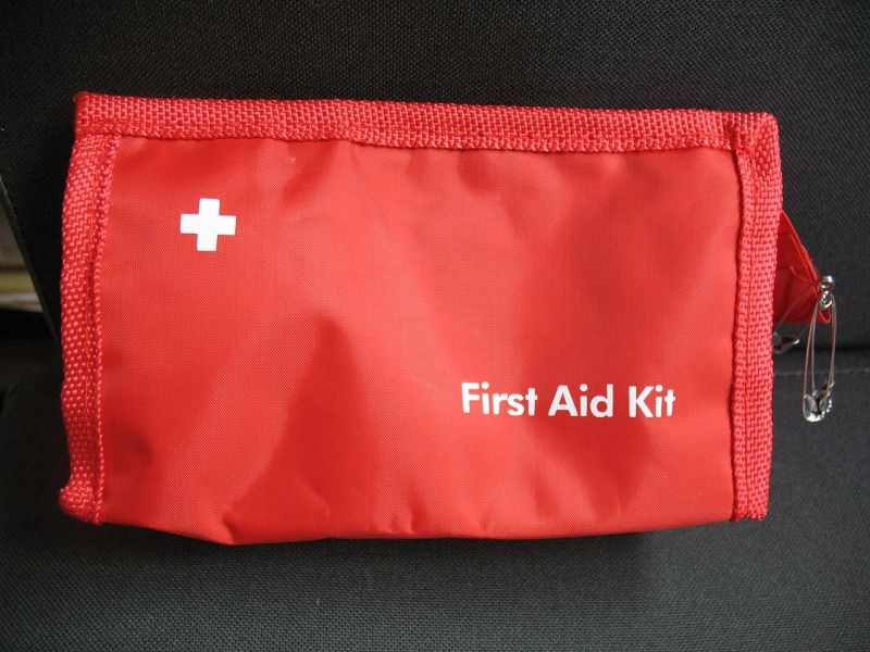 Original source: https://upload.wikimedia.org/wikipedia/commons/thumb/9/96/First_aid_bag.jpg/1280px-First_aid_bag.jpg