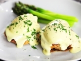 Original source: http://www.seriouseats.com/recipes/assets_c/2014/06/20140622-eggs-benedict-01-thumb-1500xauto-404890.jpg