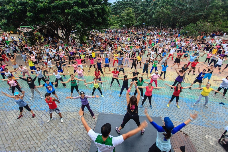 Original source: https://upload.wikimedia.org/wikipedia/commons/thumb/0/05/Zumba_at_People%27s_Park_Davao_City_%28aerobics_training%29.jpg/1280px-Zumba_at_People%27s_Park_Davao_City_%28aerobics_training%29.jpg