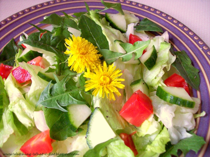 Original source: http://www.judithwellness.com/wp-content/uploads/2015/12/dandelion-salad.jpg