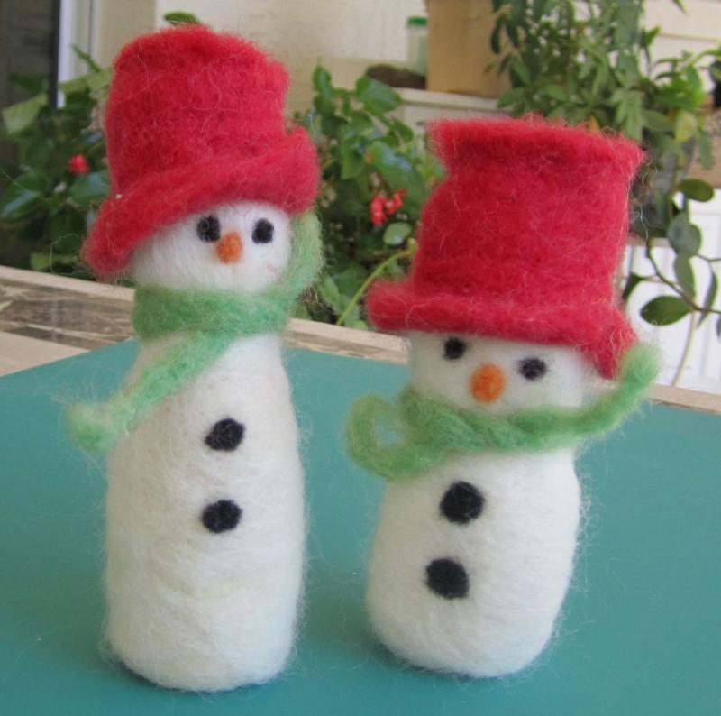 Original source: https://livingfelt.files.wordpress.com/2012/12/kathleen-dickinson-snowmen.jpg
