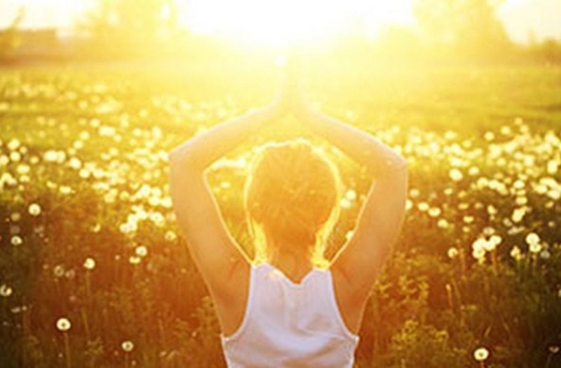 Original source: http://www.watermarkbeachresort.com/wp-content/uploads/2016/05/Summer-Solstice-Yoga.jpg