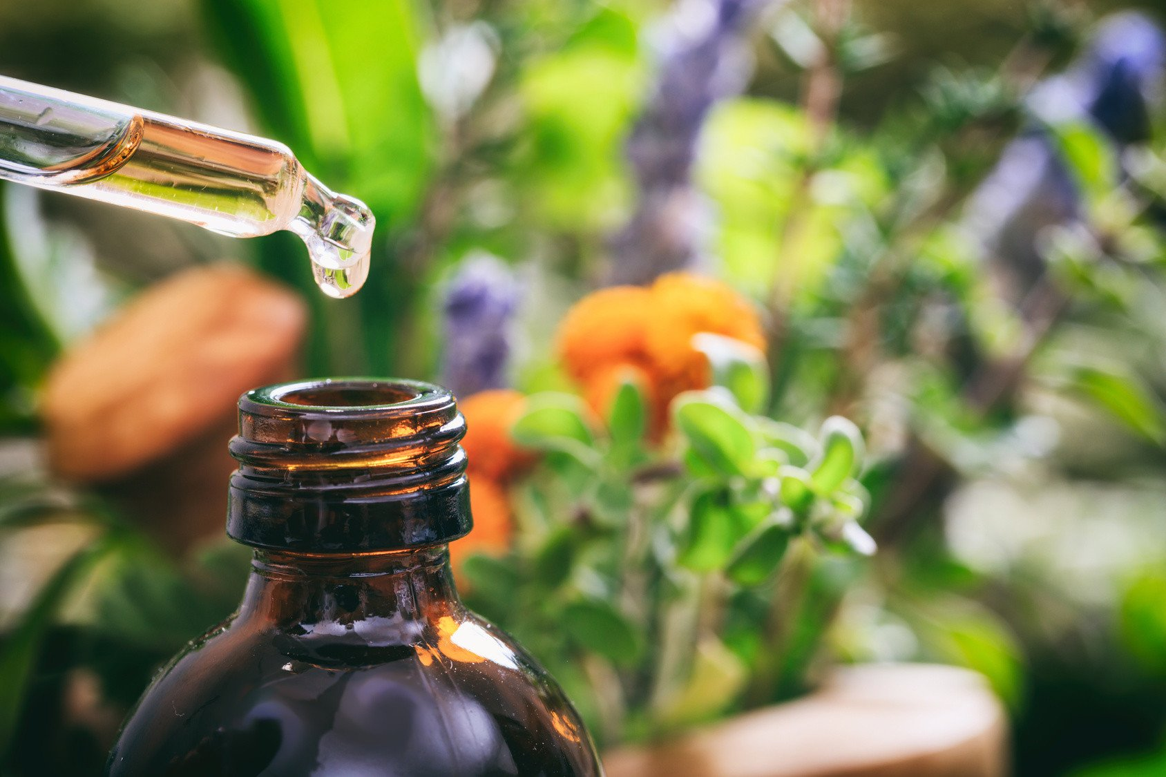 All About Essential Oils: Detox Your Home with Essential Oils