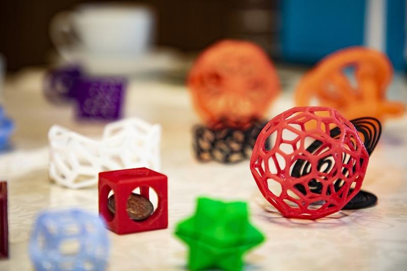 Original source: https://upload.wikimedia.org/wikipedia/commons/thumb/0/01/3D_Printing_and_Mathematics_models.jpg/1280px-3D_Printing_and_Mathematics_models.jpg