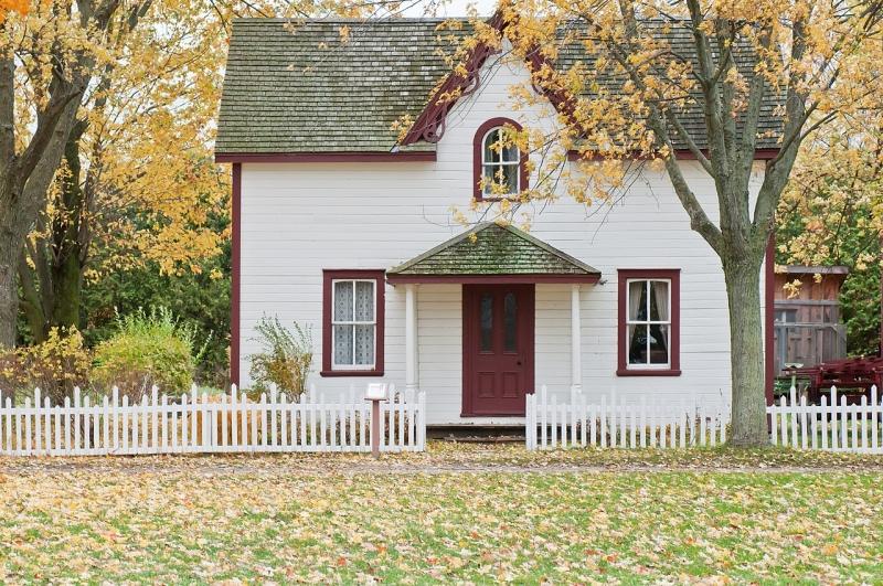 Original source: https://upload.wikimedia.org/wikipedia/commons/thumb/f/f3/Small_house_on_an_autumn%27s_day_%28Unsplash%29.jpg/1280px-Small_house_on_an_autumn%27s_day_%28Unsplash%29.jpg