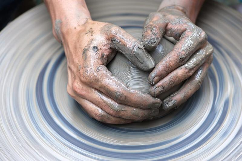 Original source: http://blog.oxforddictionaries.com/wp-content/uploads/pottery-wheel.jpg