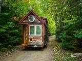 Original source: http://assets.inhabitat.com/wp-content/blogs.dir/1/files/2015/09/Tiny-House-Giant-Journey-12.jpg