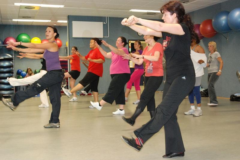 Original source: https://upload.wikimedia.org/wikipedia/commons/thumb/3/38/US_Army_52862_Zumba_adds_Latin_dance_to_fitness_routine.jpg/1280px-US_Army_52862_Zumba_adds_Latin_dance_to_fitness_routine.jpg