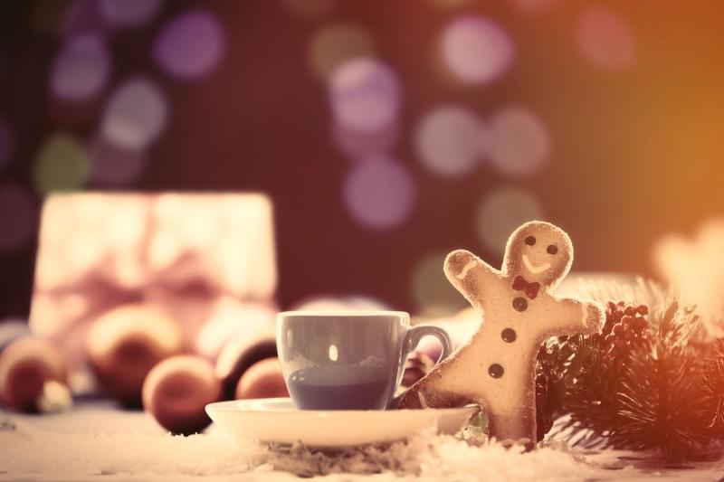 Original source: http://www.kosich.com/wp-content/uploads/2015/10/holidaysafetytips.jpg