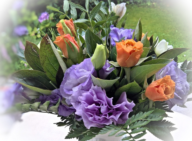 Original source: https://storage.needpix.com/rsynced_images/flower-arrangement-1674009_1280.jpg