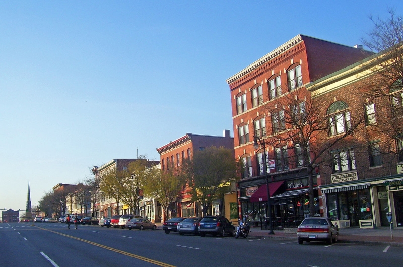 Original source: https://upload.wikimedia.org/wikipedia/commons/thumb/d/d0/Downtown_Middletown%2C_CT.jpg/1200px-Downtown_Middletown%2C_CT.jpg