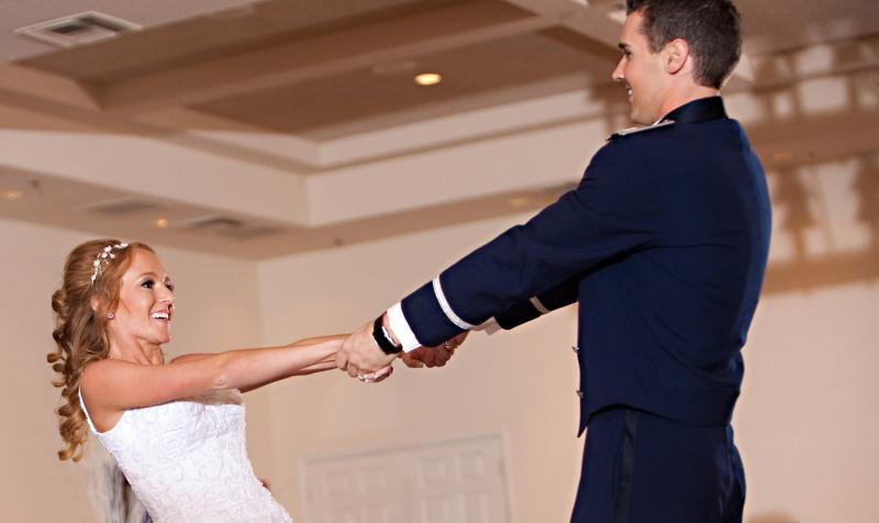 Original source: http://windycityweddingdance.com/wp-content/uploads/2013/02/dance_lean_back.jpg