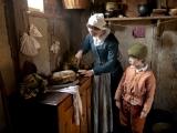 Original source: http://www.discovernewengland.org/sites/default/files/wp-content/uploads/2013/06/Pilgrim-mother-child-credit-Plimoth-Plantation.jpg