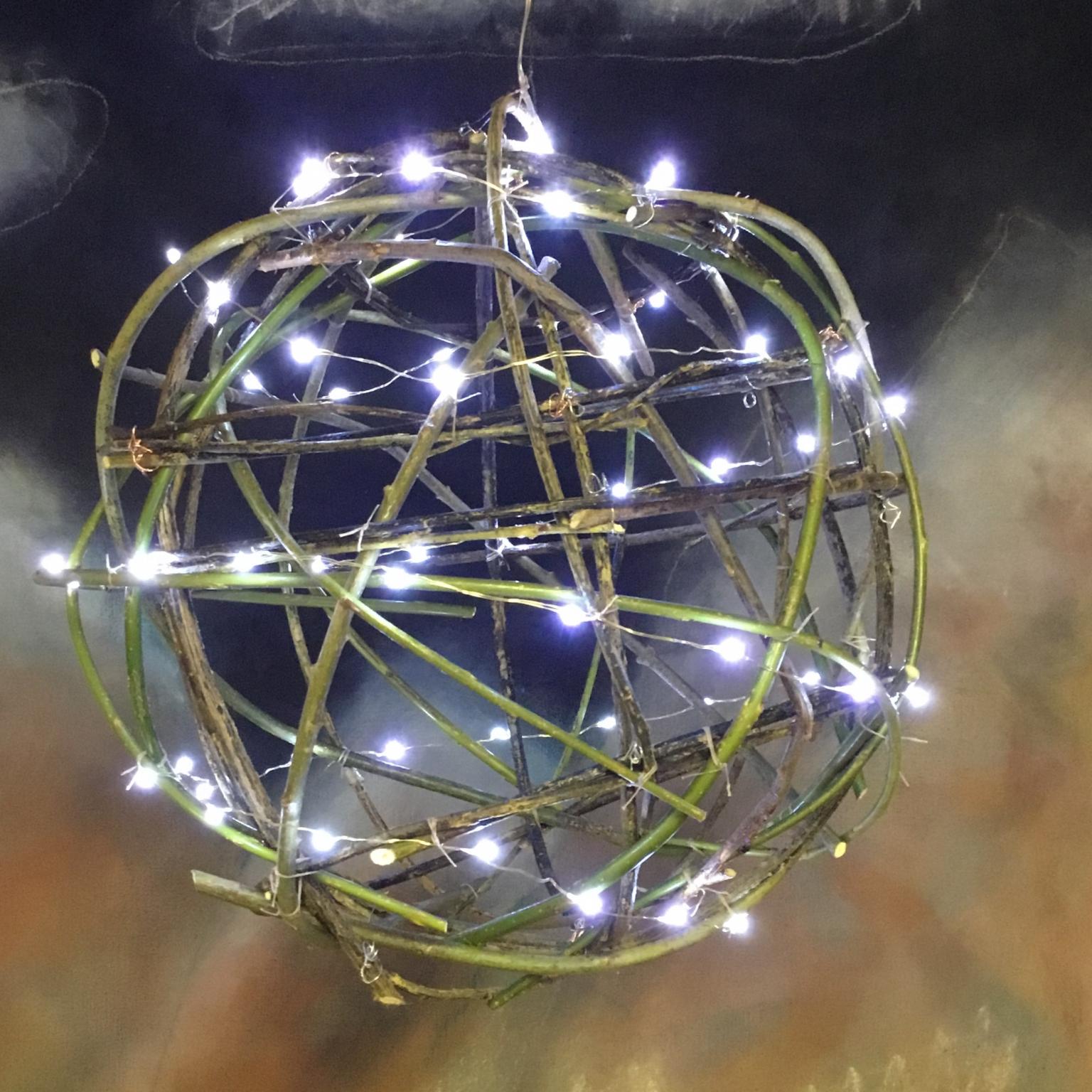 Hanging Twig Globe Lamp