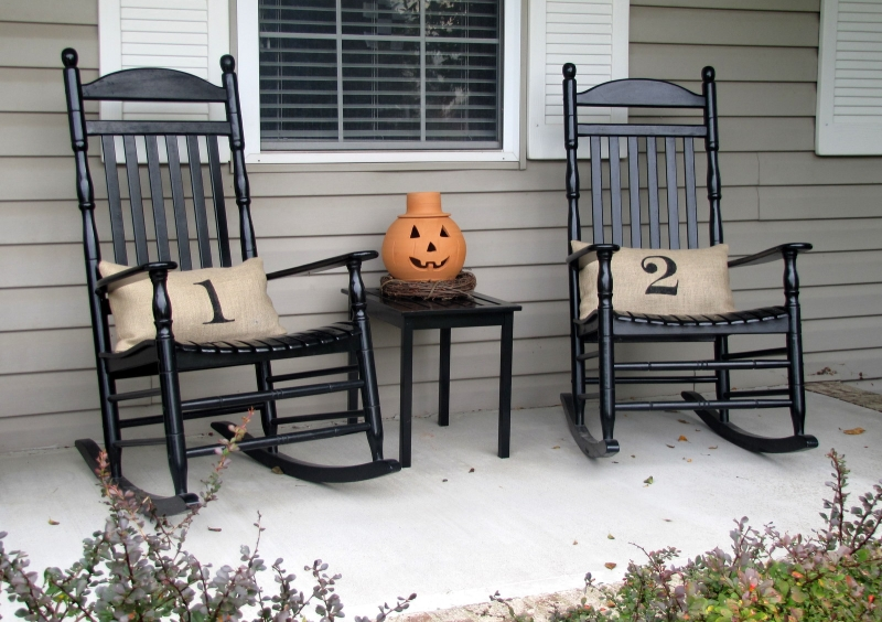 Original source: http://porch.cecilash.com/wp-content/uploads/2015/06/Front-Porch-Design-Ideas-With-Black-Wood-Rocking-Chair.jpg