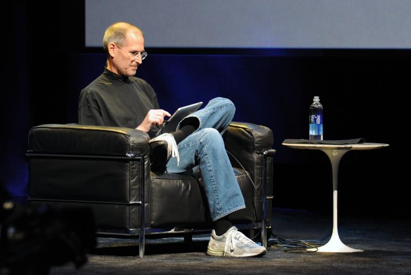 Original source: https://upload.wikimedia.org/wikipedia/commons/b/bc/Steve_Jobs_at_Apple_iPad_Event.jpg