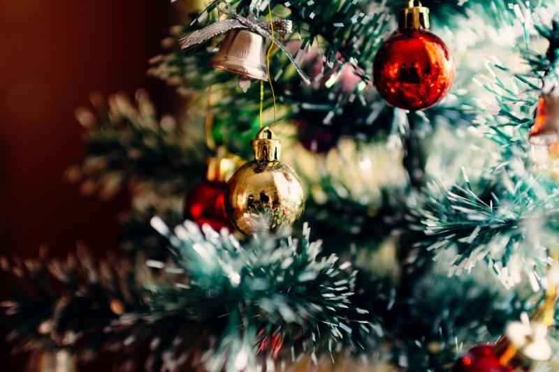 Original source: https://cdn20.patchcdn.com/users/22887534/20161230/010628/styles/raw/public/article_images/christmas-tree-1149619_1920-1483121132-7173.jpg