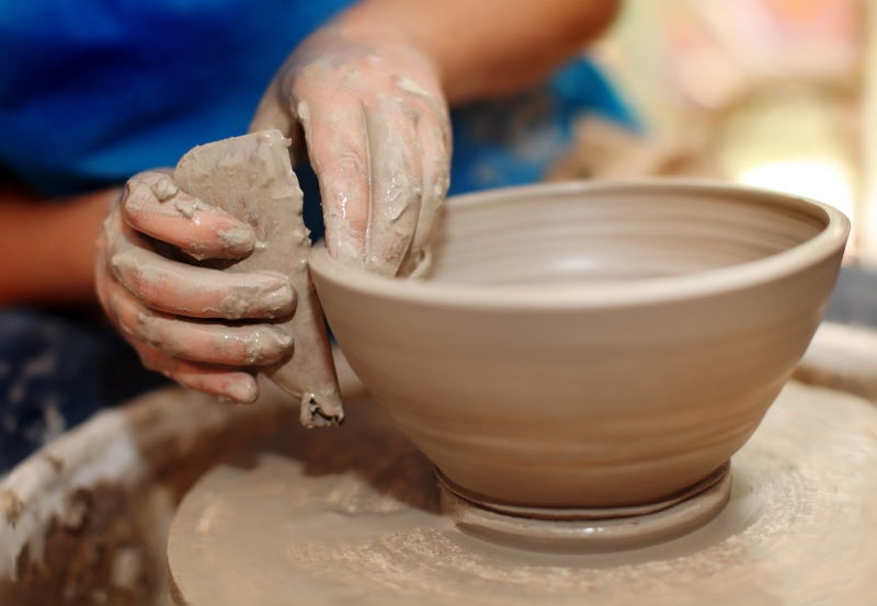 Original source: http://yayclay.com/wp-content/uploads/2014/08/potters-wheel-2-2.jpg
