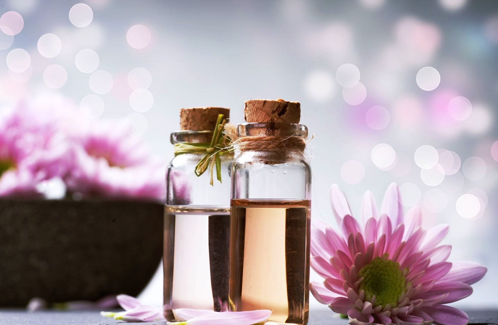 DAILY USES OF ESSENTIAL OILS
