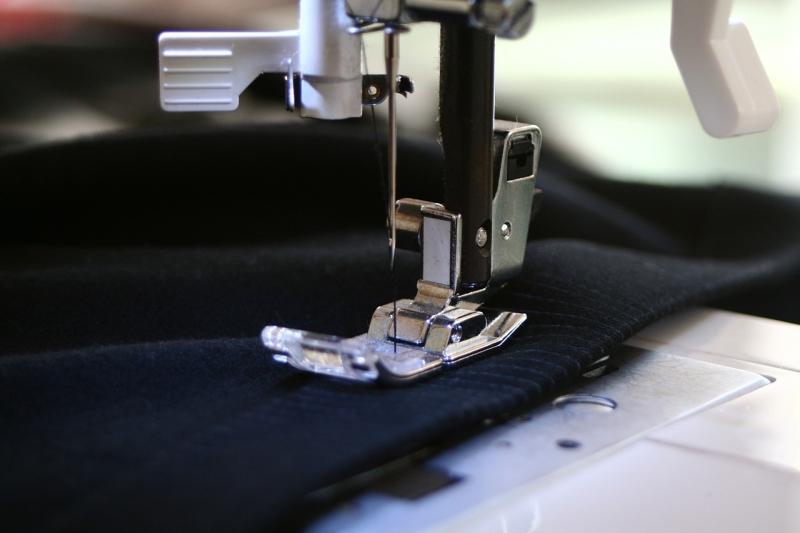 Original source: https://storage.needpix.com/rsynced_images/sewing-machine-262454_1280.jpg