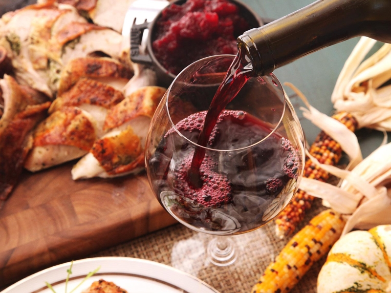 Original source: http://www.seriouseats.com/assets_c/2014/11/20141106-thanksgiving-wine-for-maggie-3-thumb-1500x1125-414791.jpg