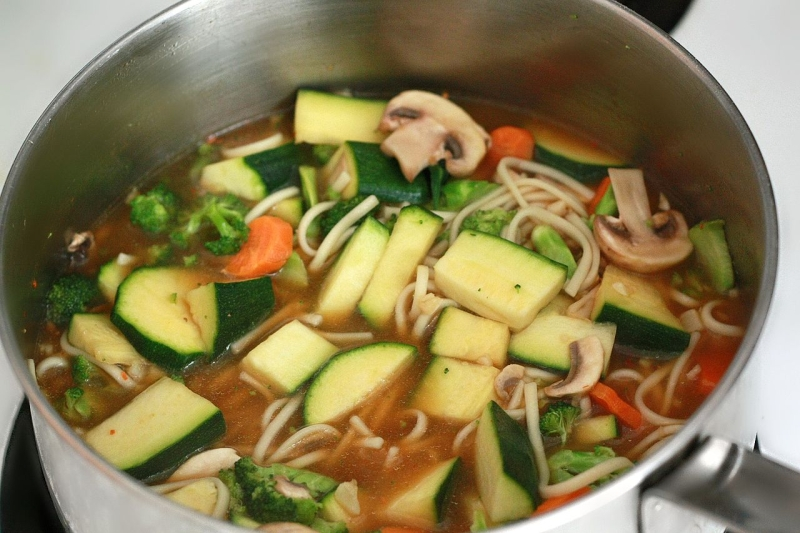 Original source: https://upload.wikimedia.org/wikipedia/commons/thumb/7/78/Vegetable_udon_noodle_soup.jpg/1280px-Vegetable_udon_noodle_soup.jpg